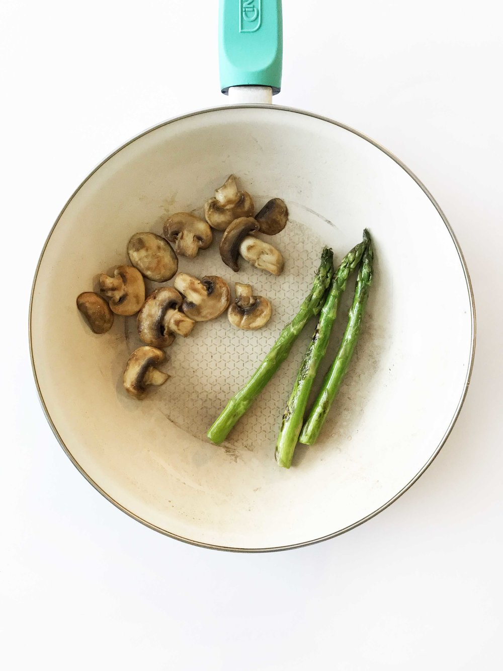 mushroom-asparagus-omelette.jpg
