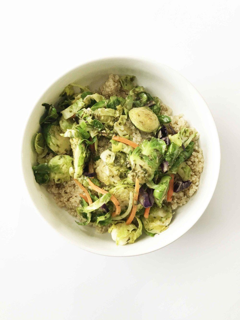 quinoa-pesto-bowl2.jpg