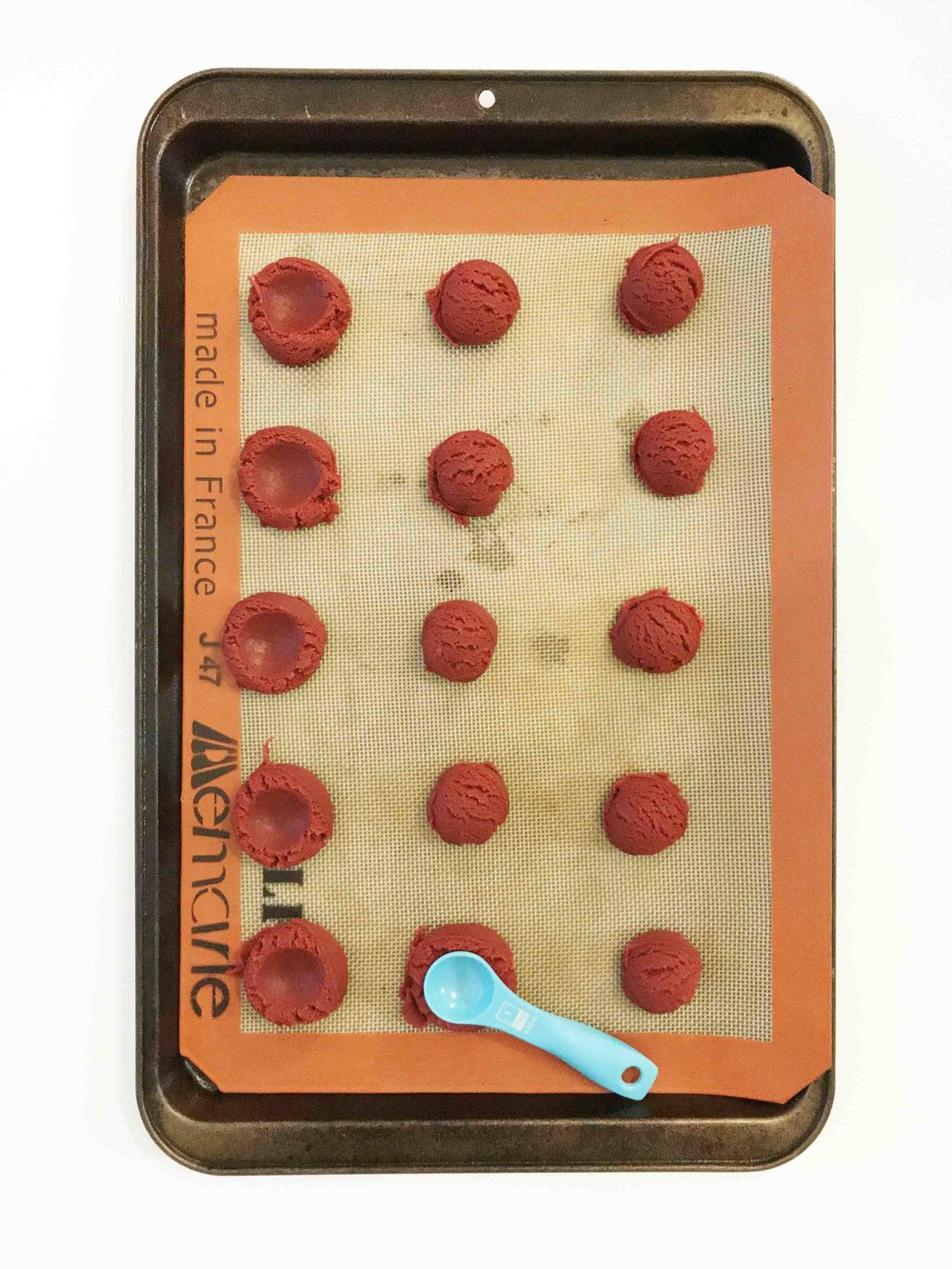 red-velvet-thumbprint-cookies6.jpg