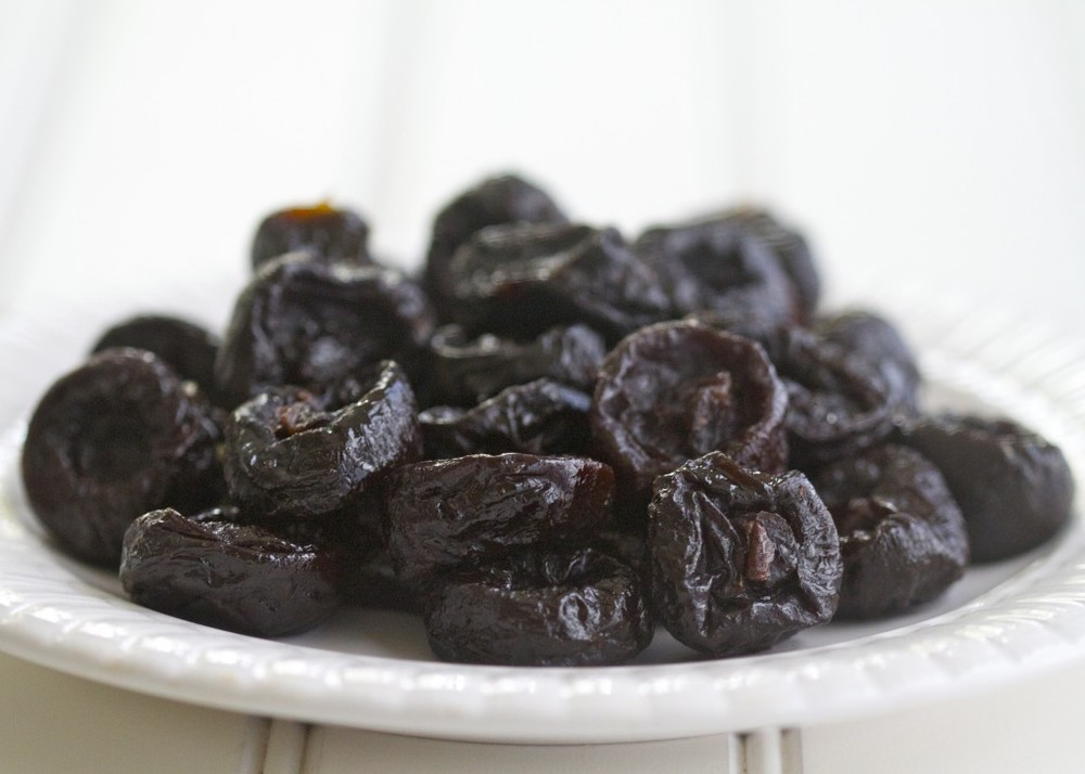 dried-plums-1024x731.jpg