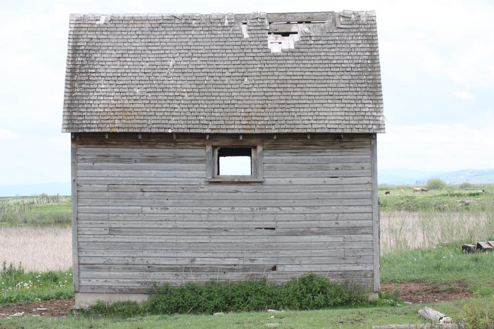 weathered building.jpg