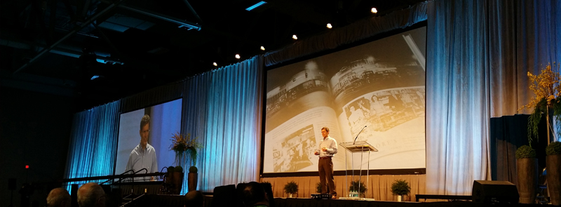 Tom Taylor presenting at RootsTech a coupla years back. RootsTech 2017 takes place February 8-11 at the Salt Palace in Salt Lake City.