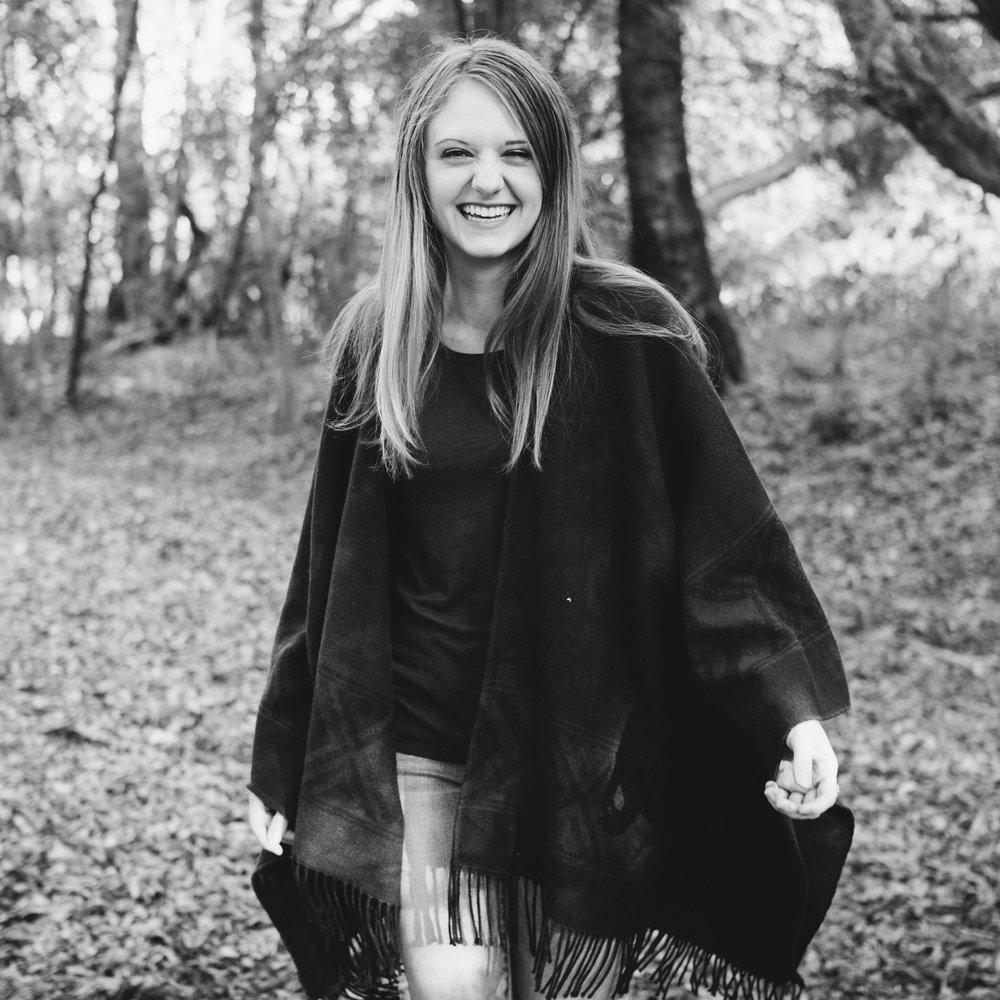 Sydney Jones-Sidney Senior Photos 2016-0033.jpg