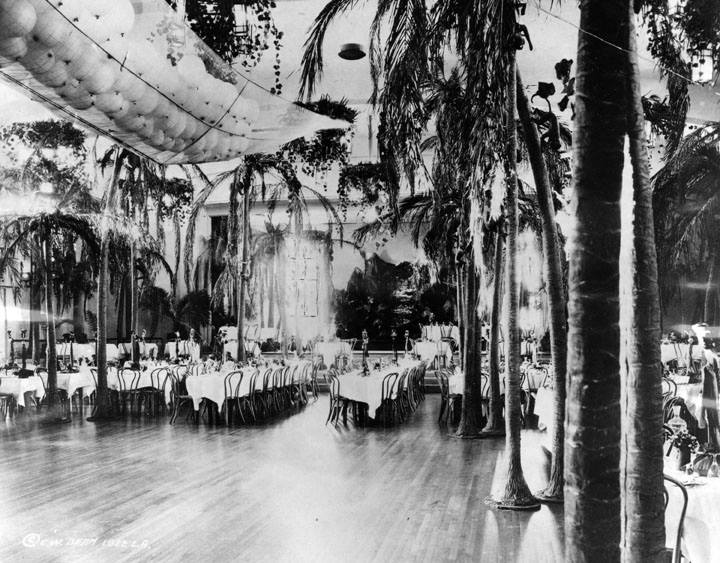Photo 3- Internal view of Coconut Grove (1922).jpg
