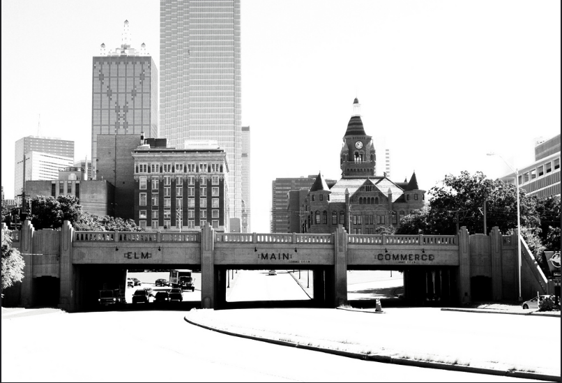 Triple Overpass exiting Dealey Plaza.png