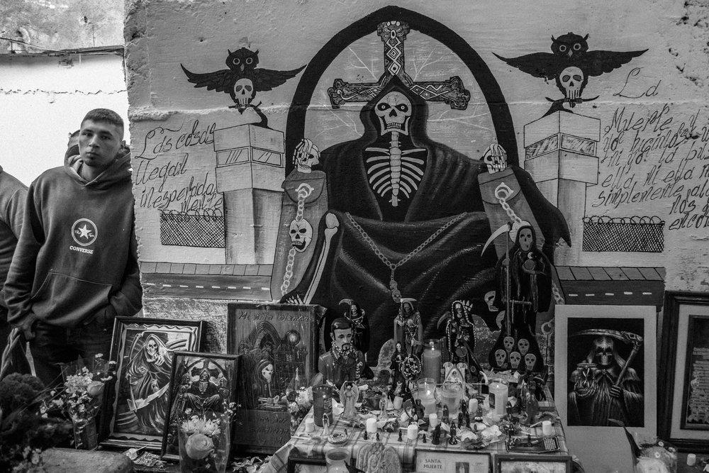Prison-Santa_Muerte-3.jpg