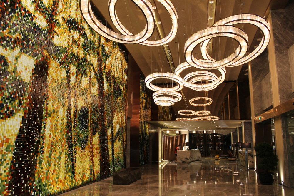 Lobby+at++Mandarin+Oriental+PuDong,+Shanghai.jpg