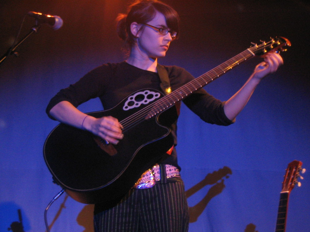 Kaki_King_Knitting_Factory_04.jpg