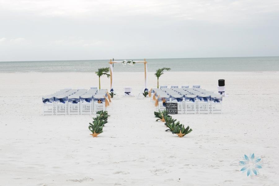 11_22_14 Clearwater Beach Wedding_0010.jpg