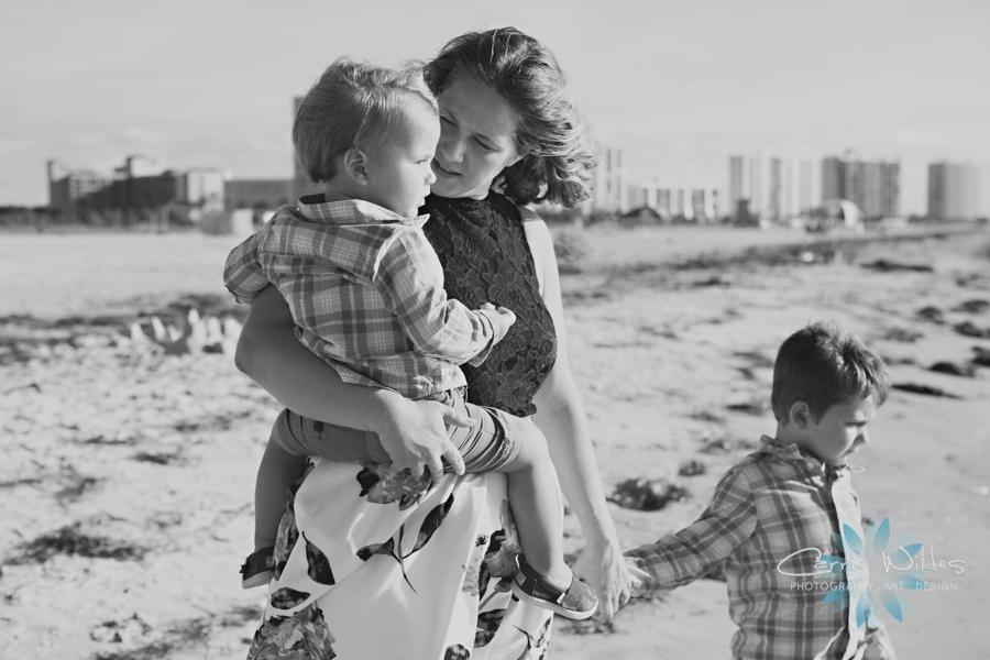 10_8_16 Neff Family Sheraton Sand Key Family Portraits_0008.jpg