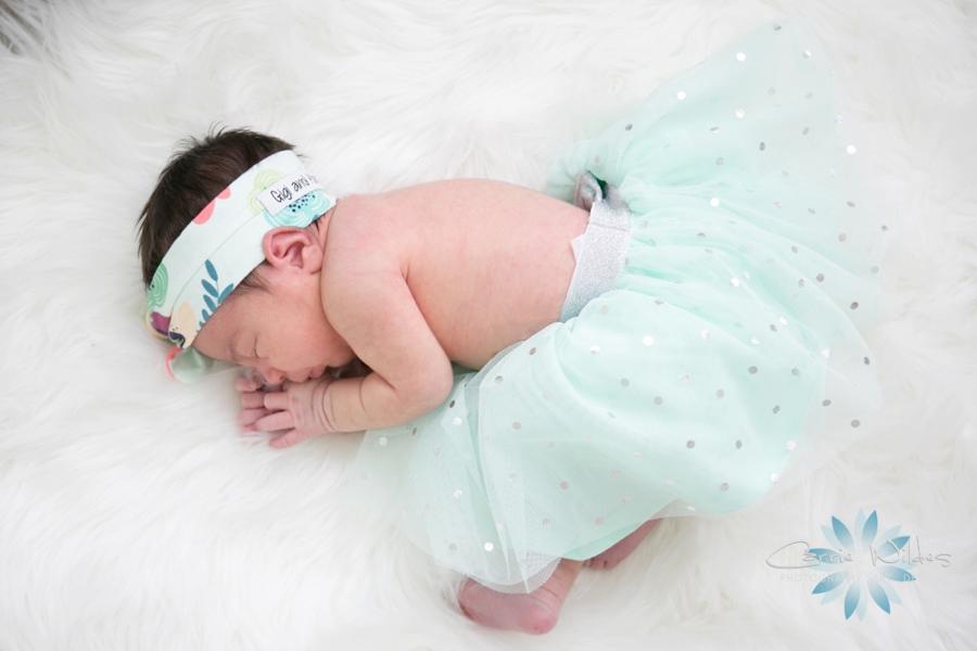 9_5_18 Mireia Tampa Lifestyle Newborn Portraits_0008.jpg