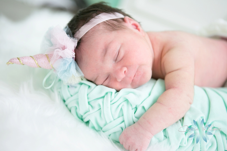 9_5_18 Mireia Tampa Lifestyle Newborn Portraits_0011.jpg