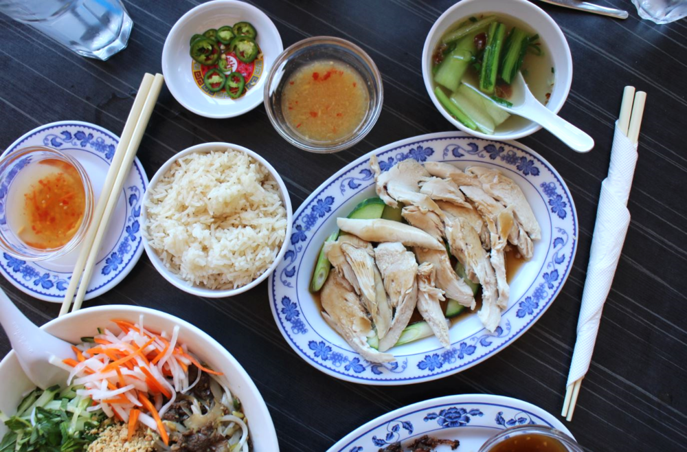 Com ga hai nam - Hai Nam chicken rice is a pretty healthy dish if you want something simple and light. The best chicken rice I have ever eaten aside from my Nanna's cooking is Tian Tian Chicken Rice in Singapore. If you are looking for chicken rice in Perth, thenTak Chee on William Street is the answer, followed far behind by Singapore Chicken Rice at the Coventry Markets.