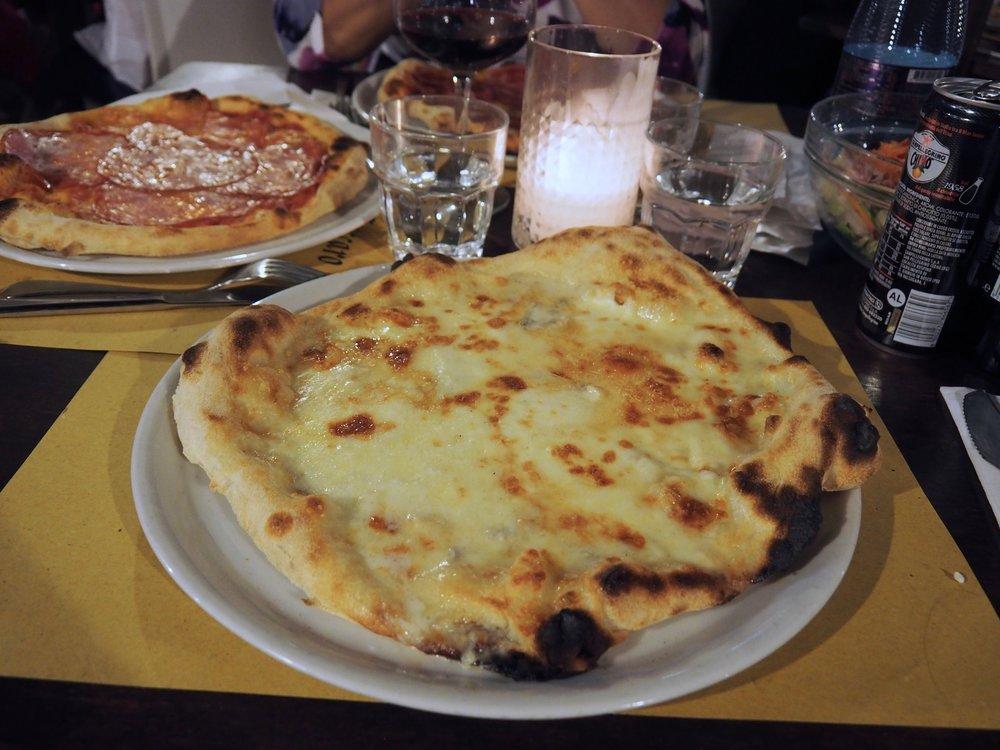 Pizzeria Villa Zuccaro3.jpg