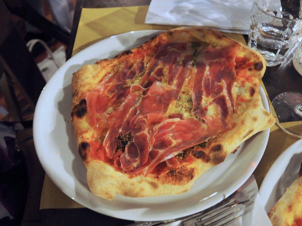 Pizzeria Villa Zuccaro5.jpg