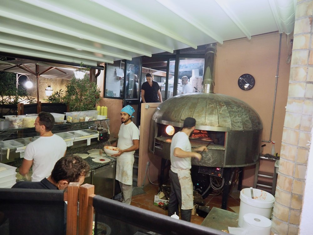 Pizzeria Villa Zuccaro6.jpg