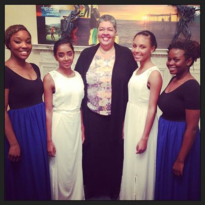 The Jamaican High Commissioner, Her Excellency Aloun Ndombet-Assamba, with the dancers