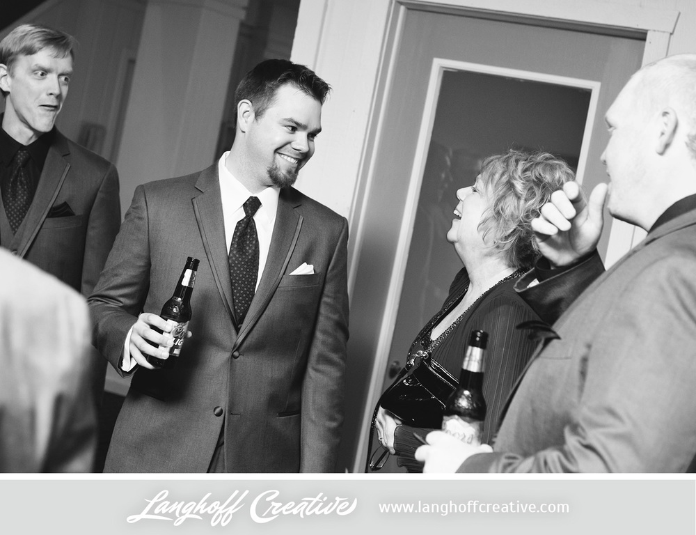 LanghoffCreative-LakeGenevaWedding-DrewSami-09-photo.jpg