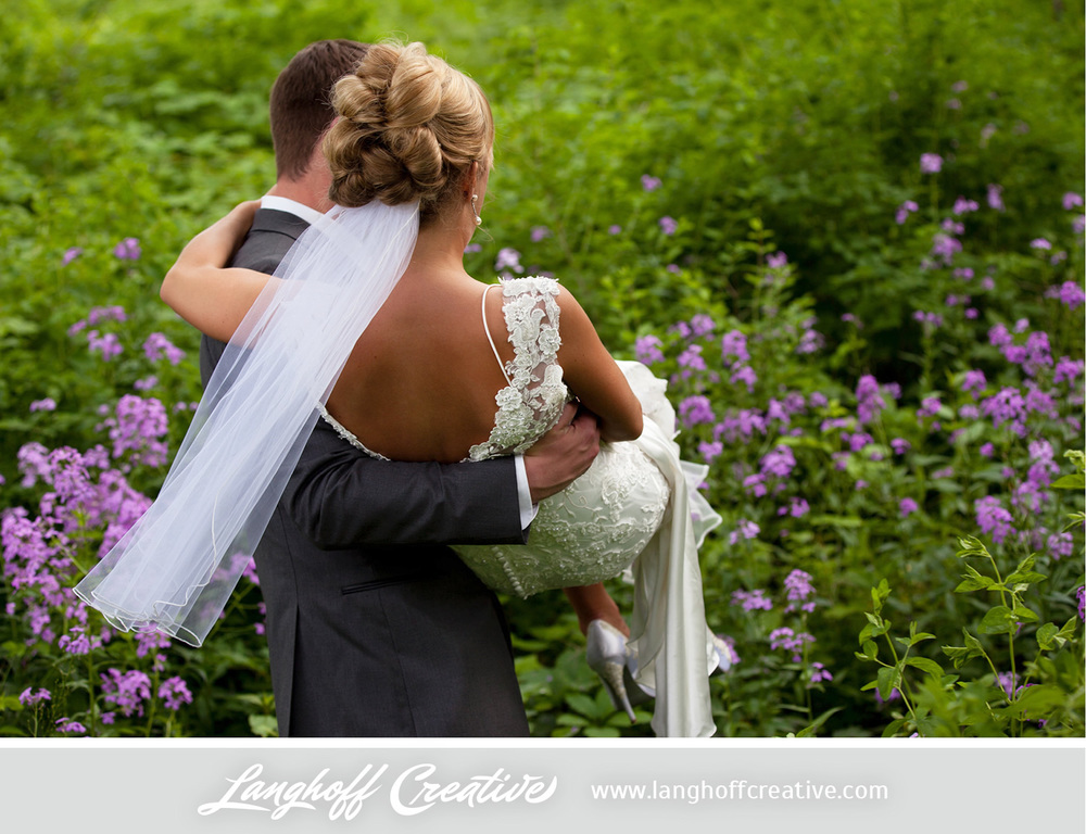 LanghoffCreative-LakeGenevaWedding-DrewSami-19-photo.jpg