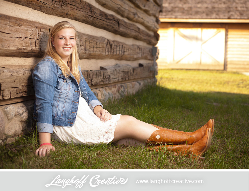 RacineSeniorPortraits-senior2014-LanghoffCreative-BrittanyM-4-photo.jpg