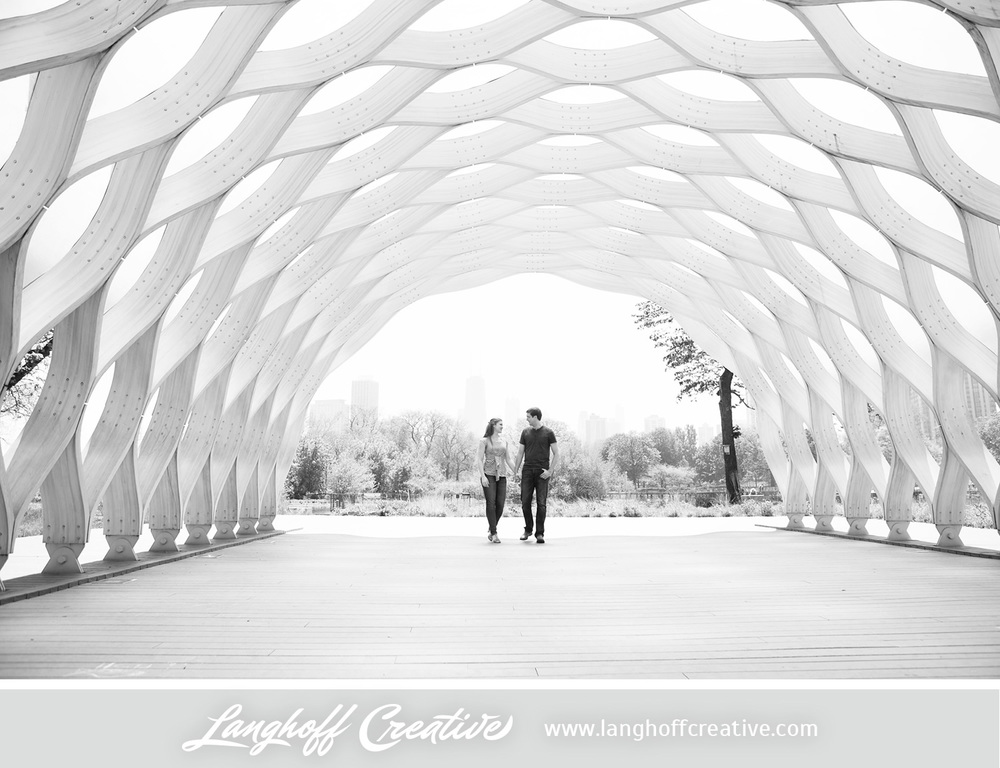 ChicagoEngagement-LincolnParkZoo-Engaged-LanghoffCreative-DestinationWeddingPhotographers-2014-ZacRachel-10-photo.jpg