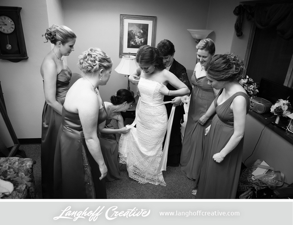 WisconsinWeddingPhotography-Pewaukee-Hartland-LanghoffCreative-4-photo.jpg