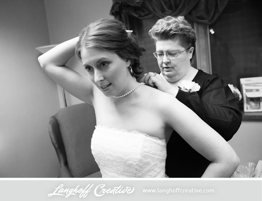 WisconsinWeddingPhotography-Pewaukee-Hartland-LanghoffCreative-5-photo.jpg