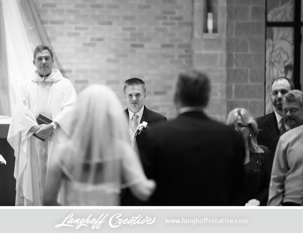 WisconsinWeddingPhotography-Pewaukee-Hartland-LanghoffCreative-11-photo.jpg