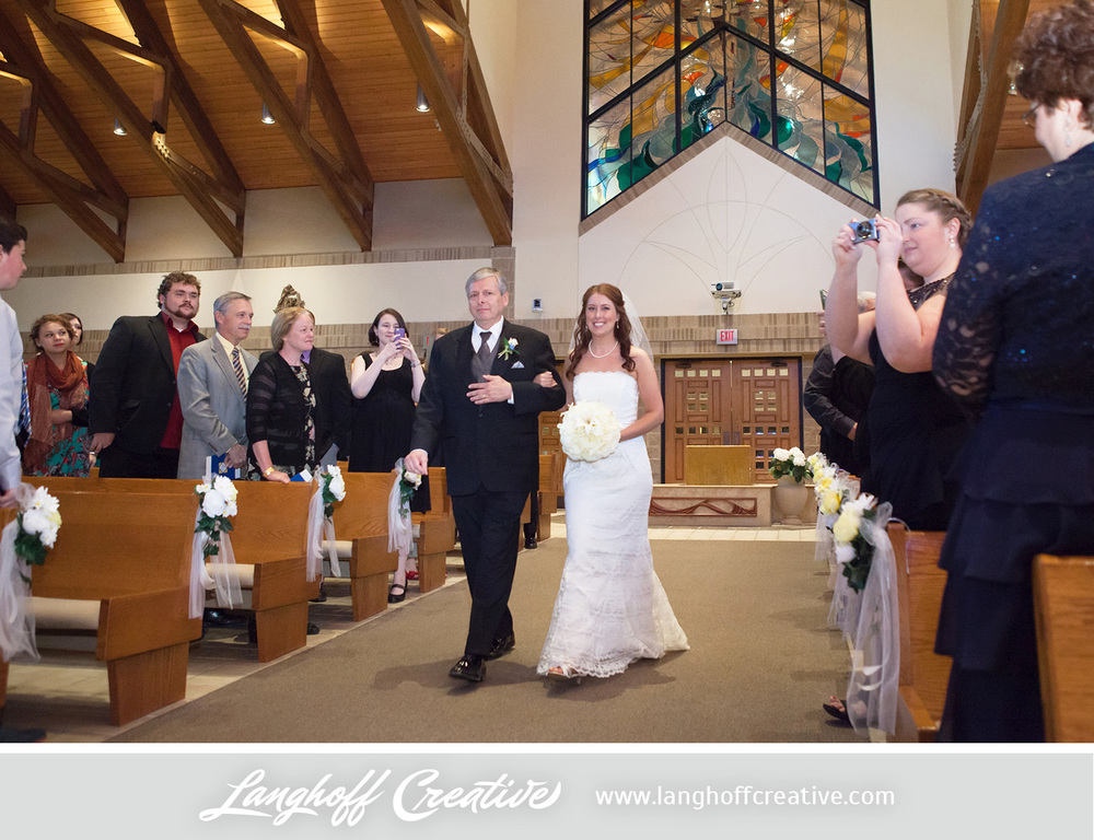 WisconsinWeddingPhotography-Pewaukee-Hartland-LanghoffCreative-12-photo.jpg