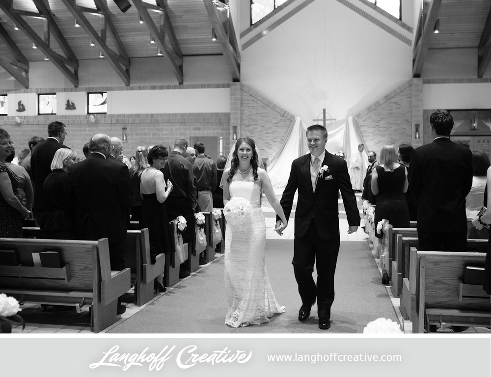 WisconsinWeddingPhotography-Pewaukee-Hartland-LanghoffCreative-17-photo.jpg