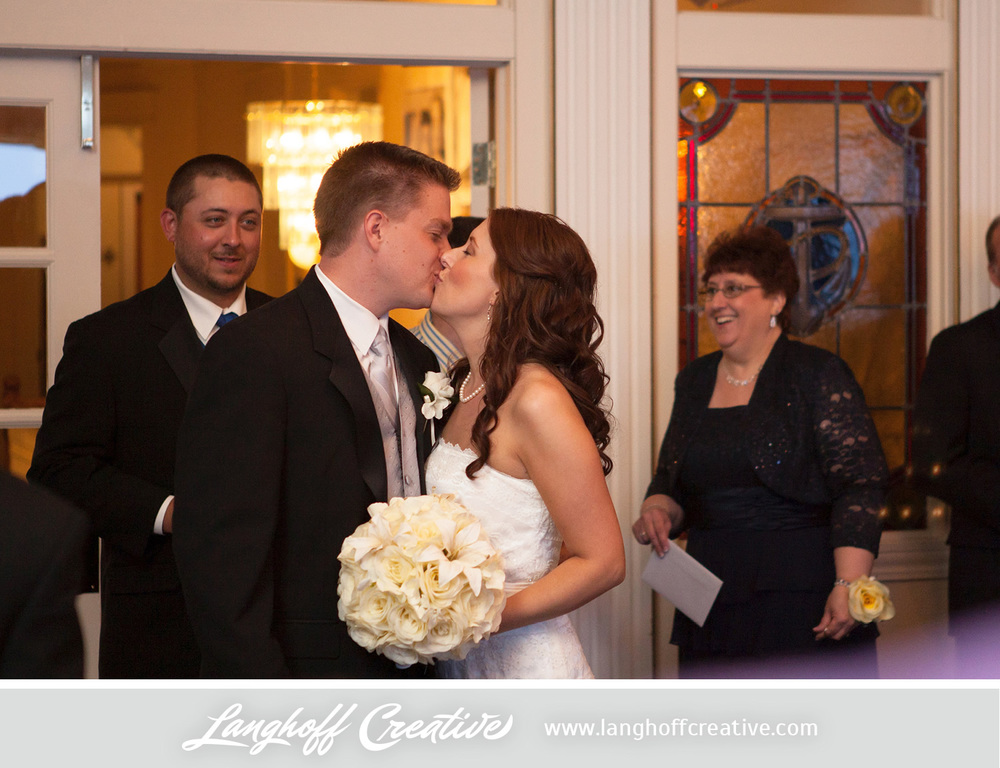 WisconsinWeddingPhotography-Pewaukee-Hartland-LanghoffCreative-31-photo.jpg