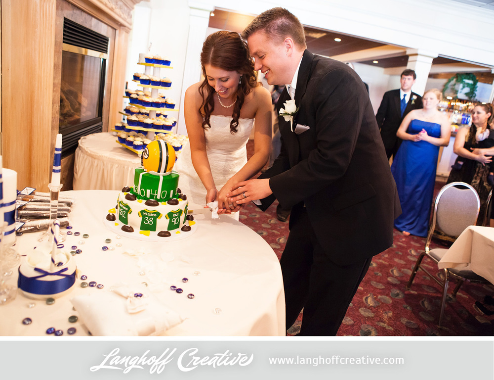 WisconsinWeddingPhotography-Pewaukee-Hartland-LanghoffCreative-33-photo.jpg