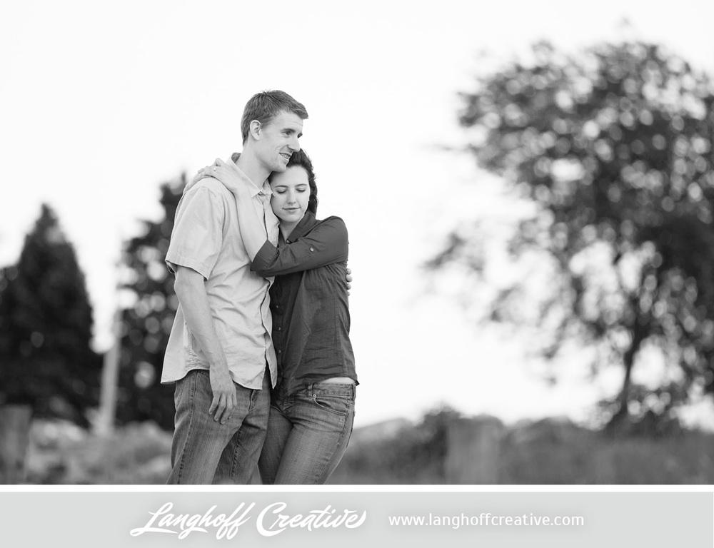 KenoshaEngagement-WisconsinEngagementPhotography-Engaged-LakeMichigan-LanghoffCreative-2014-KyleSam9-photo.jpg