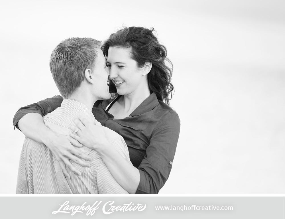 KenoshaEngagement-WisconsinEngagementPhotography-Engaged-LakeMichigan-LanghoffCreative-2014-KyleSam11-photo.jpg