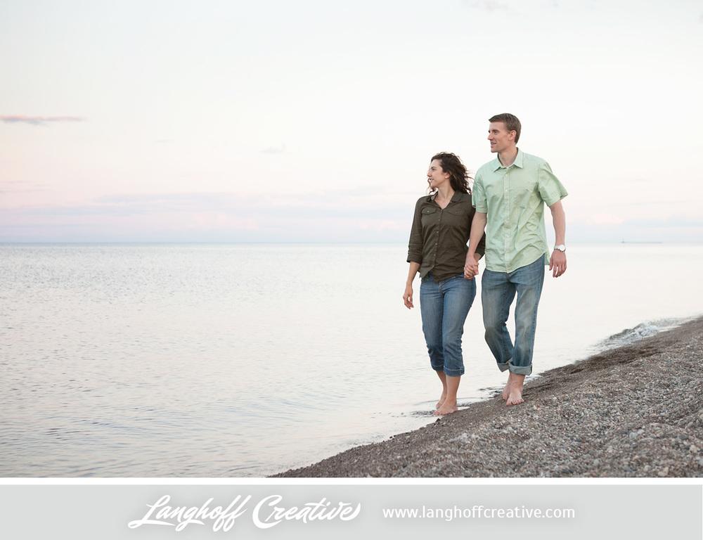 KenoshaEngagement-WisconsinEngagementPhotography-Engaged-LakeMichigan-LanghoffCreative-2014-KyleSam12-photo.jpg