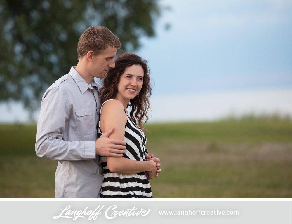 KenoshaEngagement-WisconsinEngagementPhotography-Engaged-LakeMichigan-LanghoffCreative-2014-KyleSam16-photo.jpg