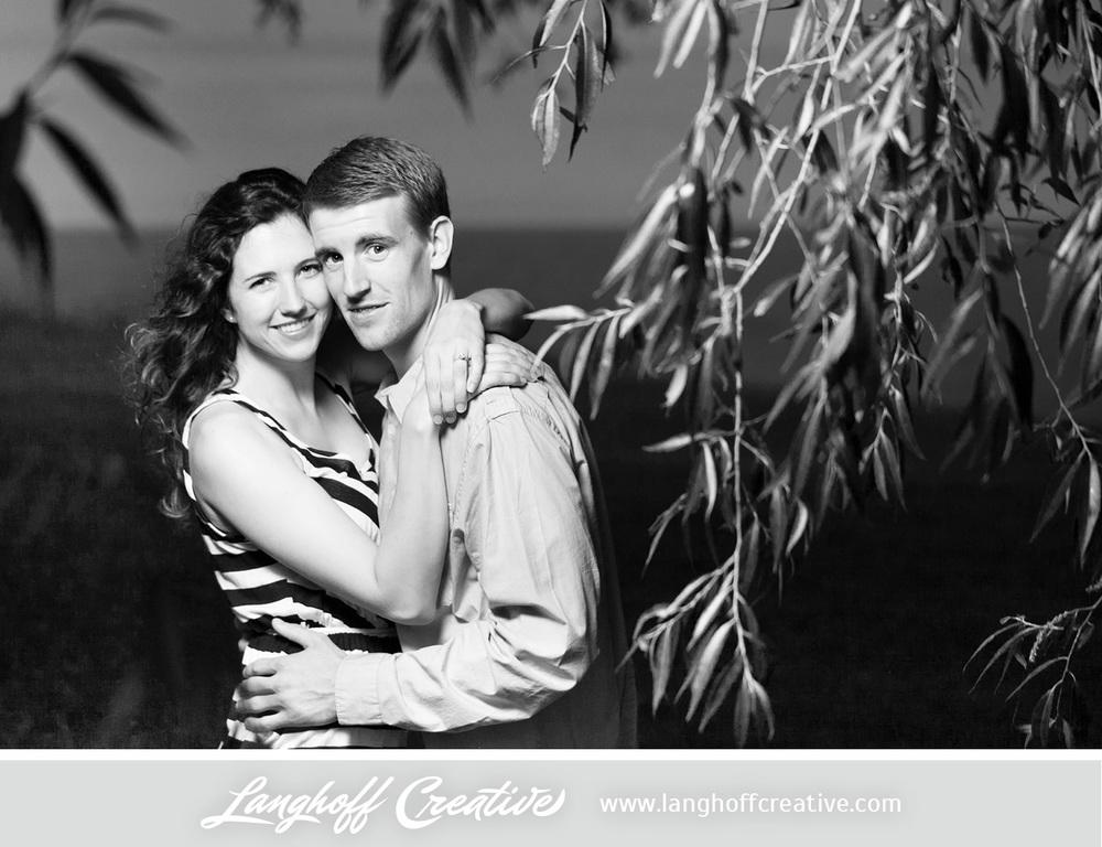KenoshaEngagement-WisconsinEngagementPhotography-Engaged-LakeMichigan-LanghoffCreative-2014-KyleSam20-photo.jpg