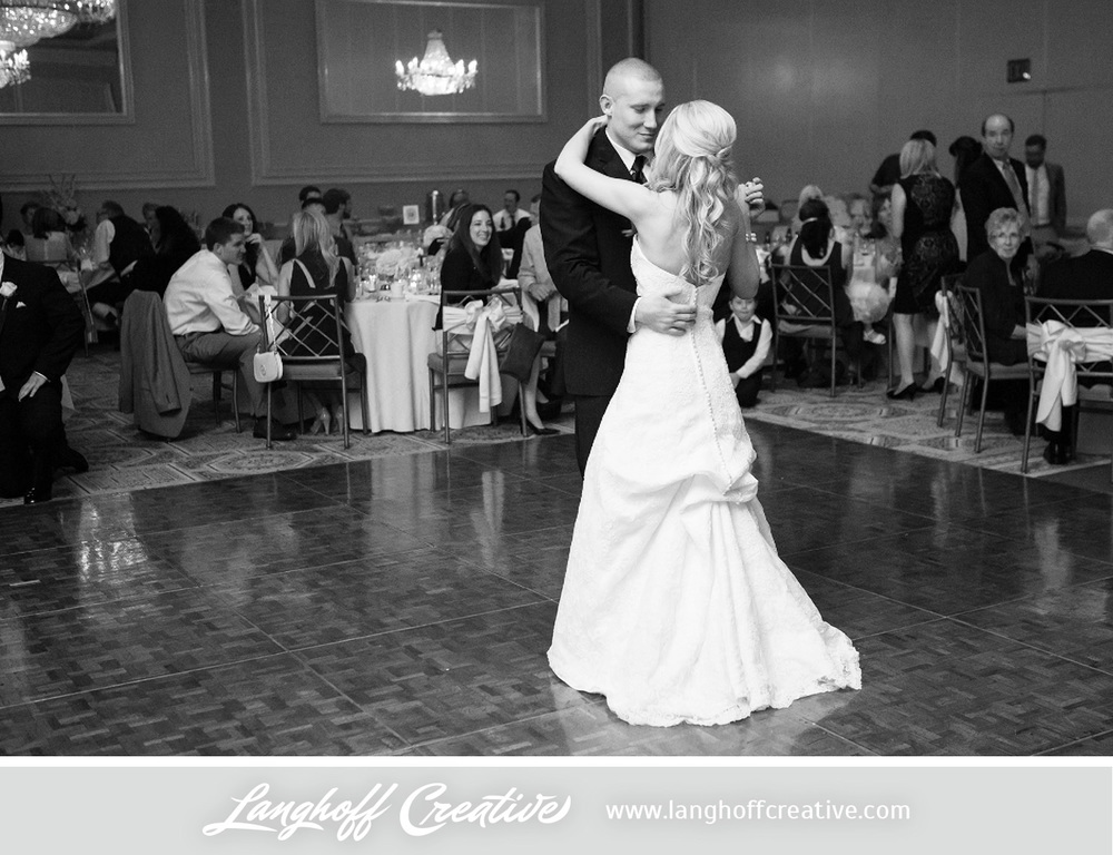 IllinoisWeddingPhotography-Elmhurst-LanghoffCreative-28-photo.jpg