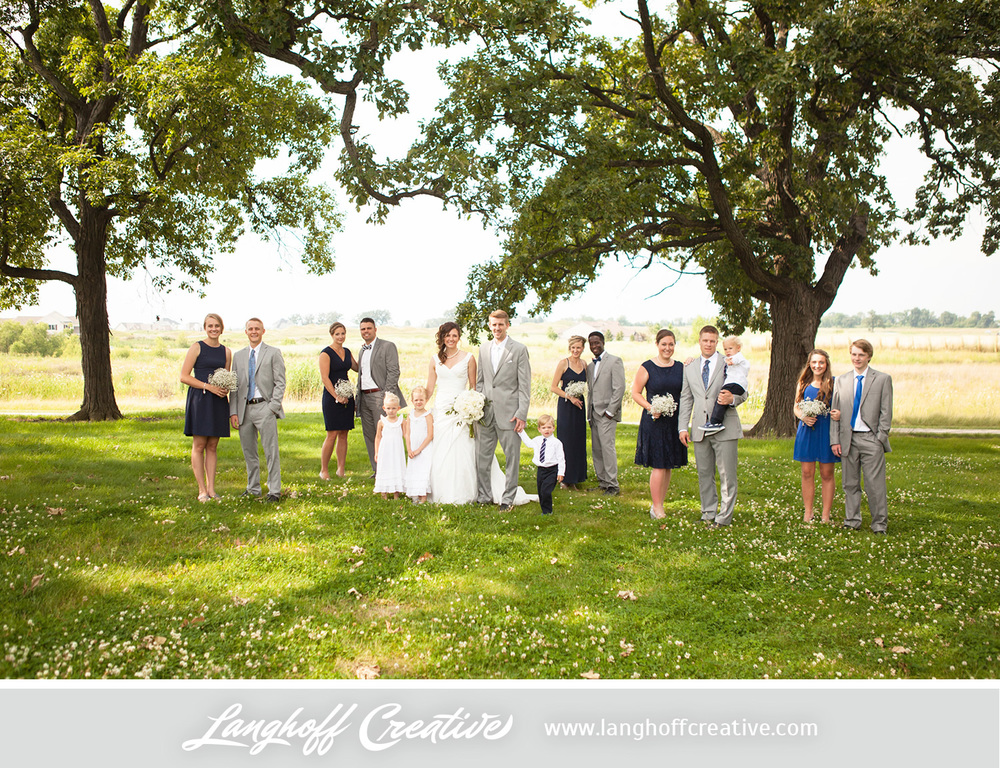 KenoshaWedding-WisconsinWedding-ThompsonStrawberryFarm-LanghoffCreative-12-photo.jpg