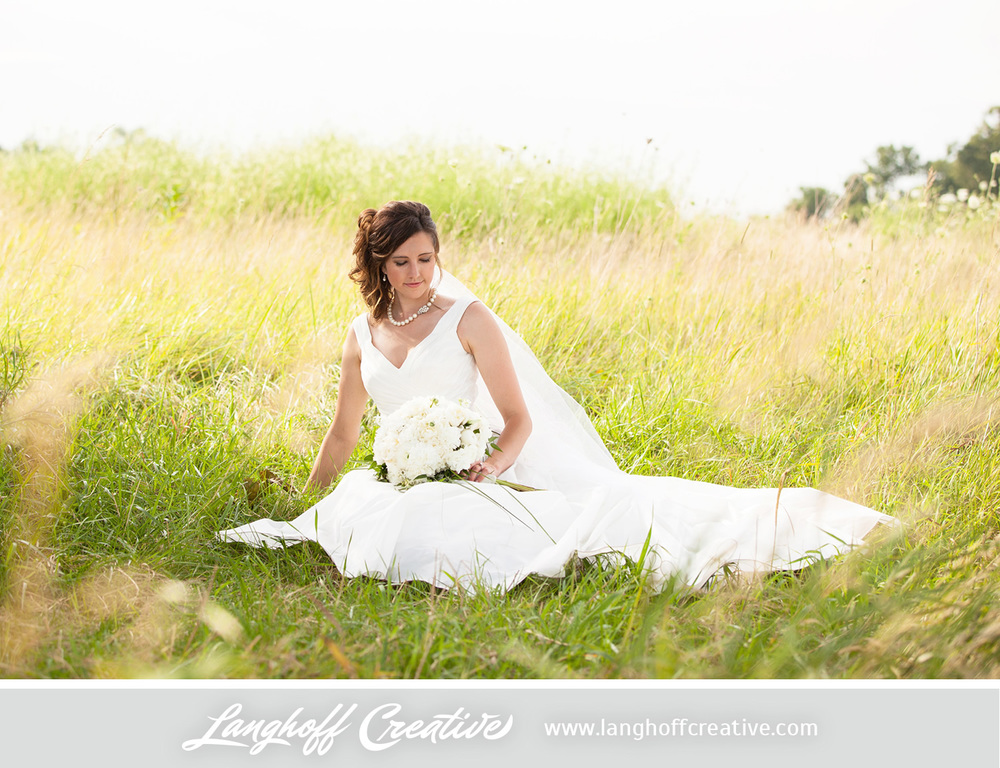 KenoshaWedding-WisconsinWedding-ThompsonStrawberryFarm-LanghoffCreative-20-photo.jpg