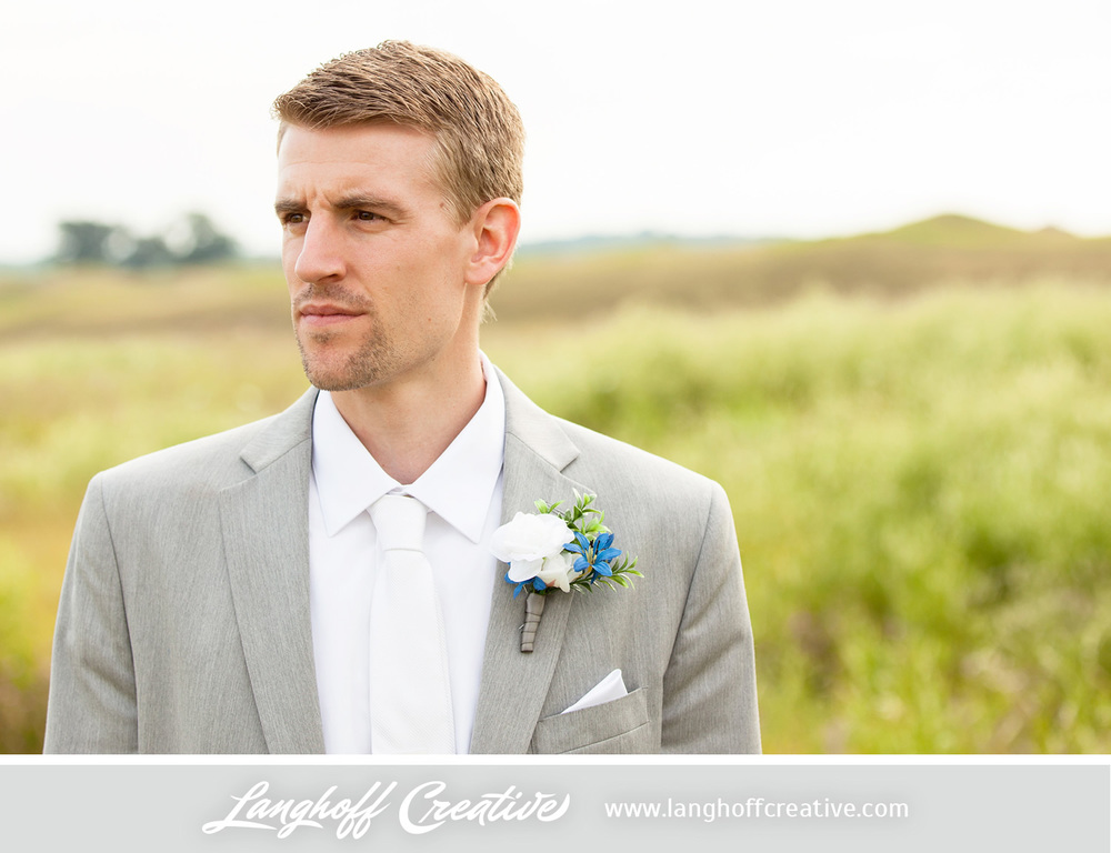 KenoshaWedding-WisconsinWedding-ThompsonStrawberryFarm-LanghoffCreative-23-photo.jpg