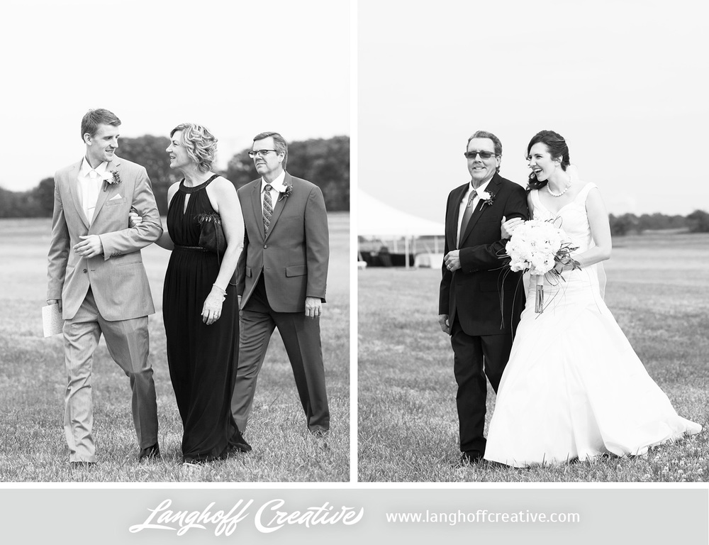 KenoshaWedding-WisconsinWedding-ThompsonStrawberryFarm-LanghoffCreative-14-photo.jpg