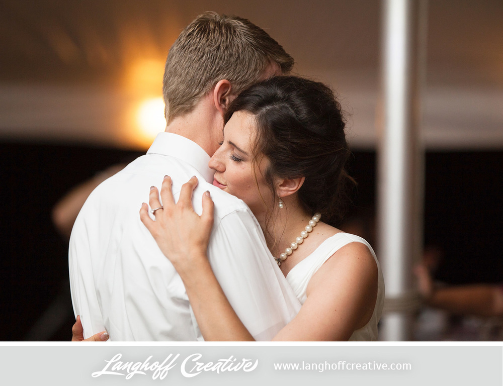 KenoshaWedding-WisconsinWedding-ThompsonStrawberryFarm-LanghoffCreative-30-photo.jpg