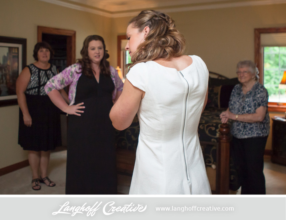 WisconsinWedding-WeddingPhotography-BackyardWedding-LanghoffCreative-7-photo.jpg