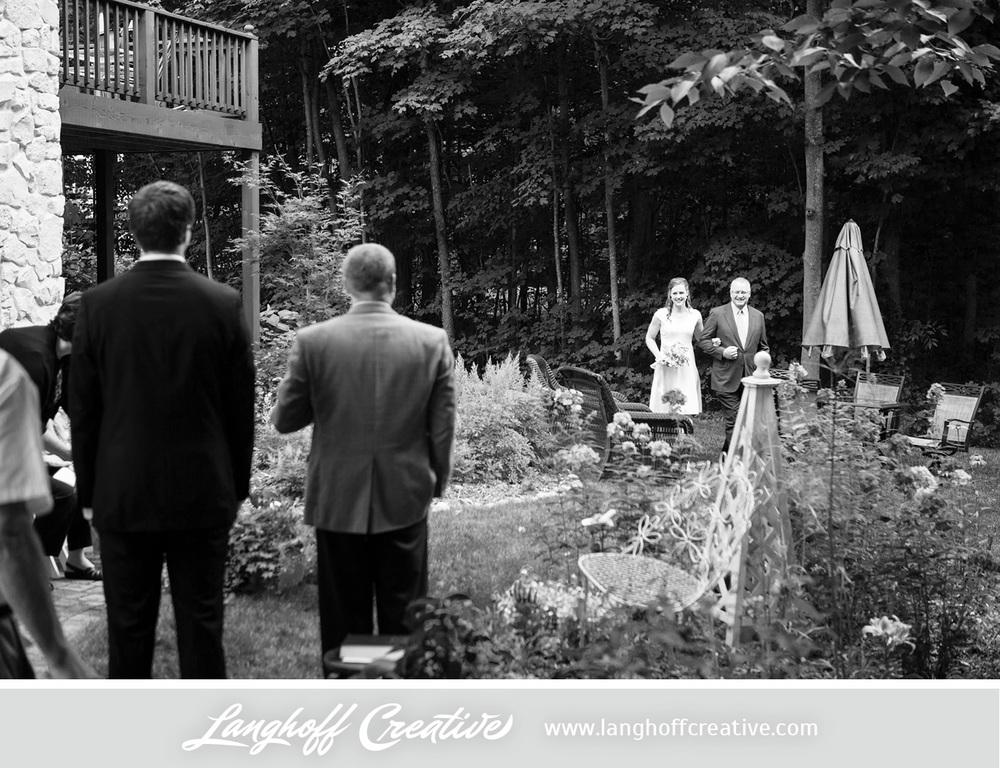 WisconsinWedding-WeddingPhotography-BackyardWedding-LanghoffCreative-10-photo.jpg