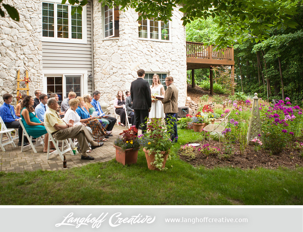 WisconsinWedding-WeddingPhotography-BackyardWedding-LanghoffCreative-12-photo.jpg