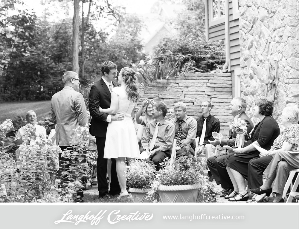 WisconsinWedding-WeddingPhotography-BackyardWedding-LanghoffCreative-17-photo.jpg