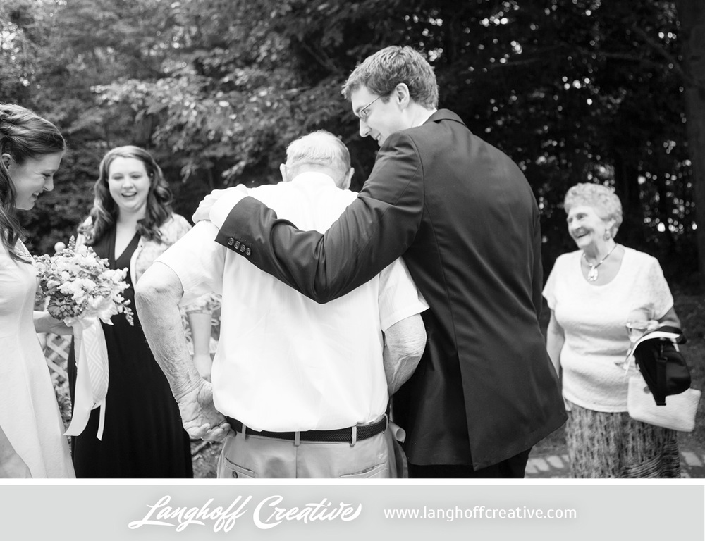 WisconsinWedding-WeddingPhotography-BackyardWedding-LanghoffCreative-18-photo.jpg