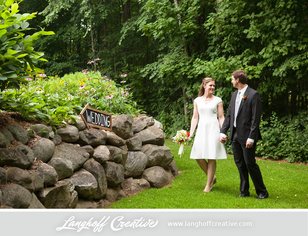 WisconsinWedding-WeddingPhotography-BackyardWedding-LanghoffCreative-21-photo.jpg