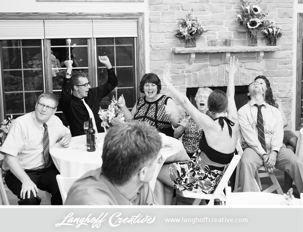 WisconsinWedding-WeddingPhotography-BackyardWedding-LanghoffCreative-34-photo.jpg